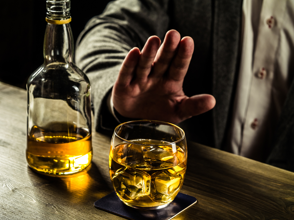 Can An Alcoholic Stop Drinking Without Rehab